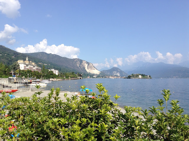 Stresa island in Lago Maggiore.jpg