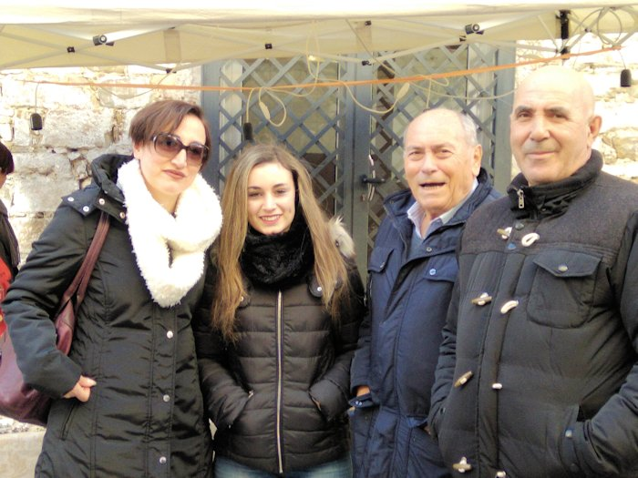 agropoli-xmas2017-right20to20left-20gerardo20carnicelli20zio20antonio20carnicelli20maria20and20daughter20danielle20friends20of20gerardo_zpskalvpstk