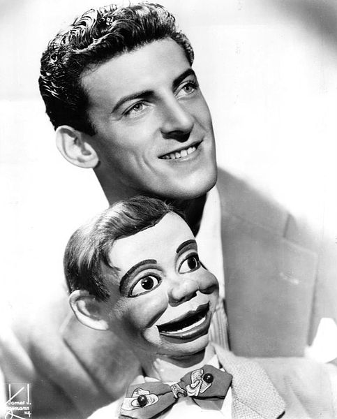 54a-483px-Paul_Winchell_Jerry_Mahoney_1951