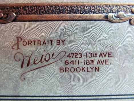 54c-photo frame close-up weise